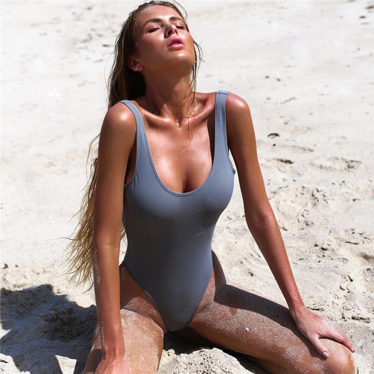 71cc4998431 Halter One Piece Swimsuit Sexy Women Swimwear Solid Swimsuit Bathing Suit  Girl Bodysuit Piece Swimwear Monokini
