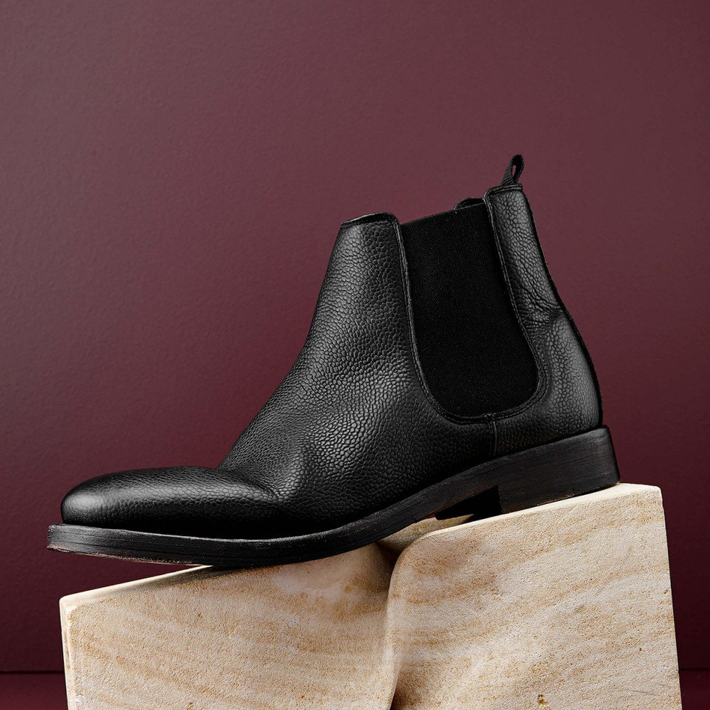 cf8138ad363 Floyd Black Chelsea Boots - Aquila