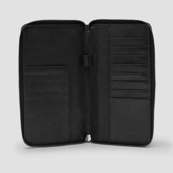 Montoro Black Passport Wallet