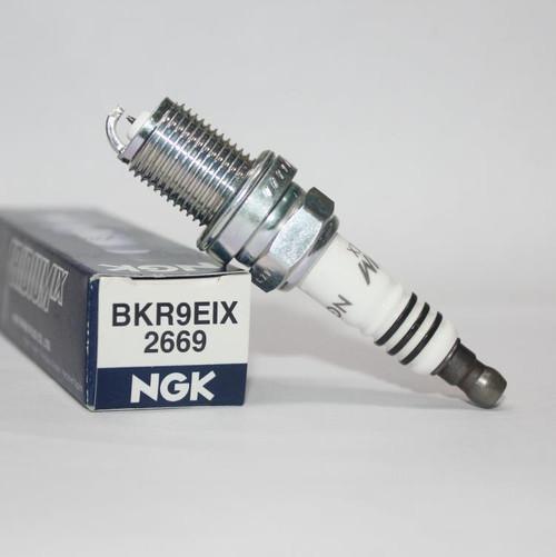 NGK Spark Plugs 2669 (bkr9eix)