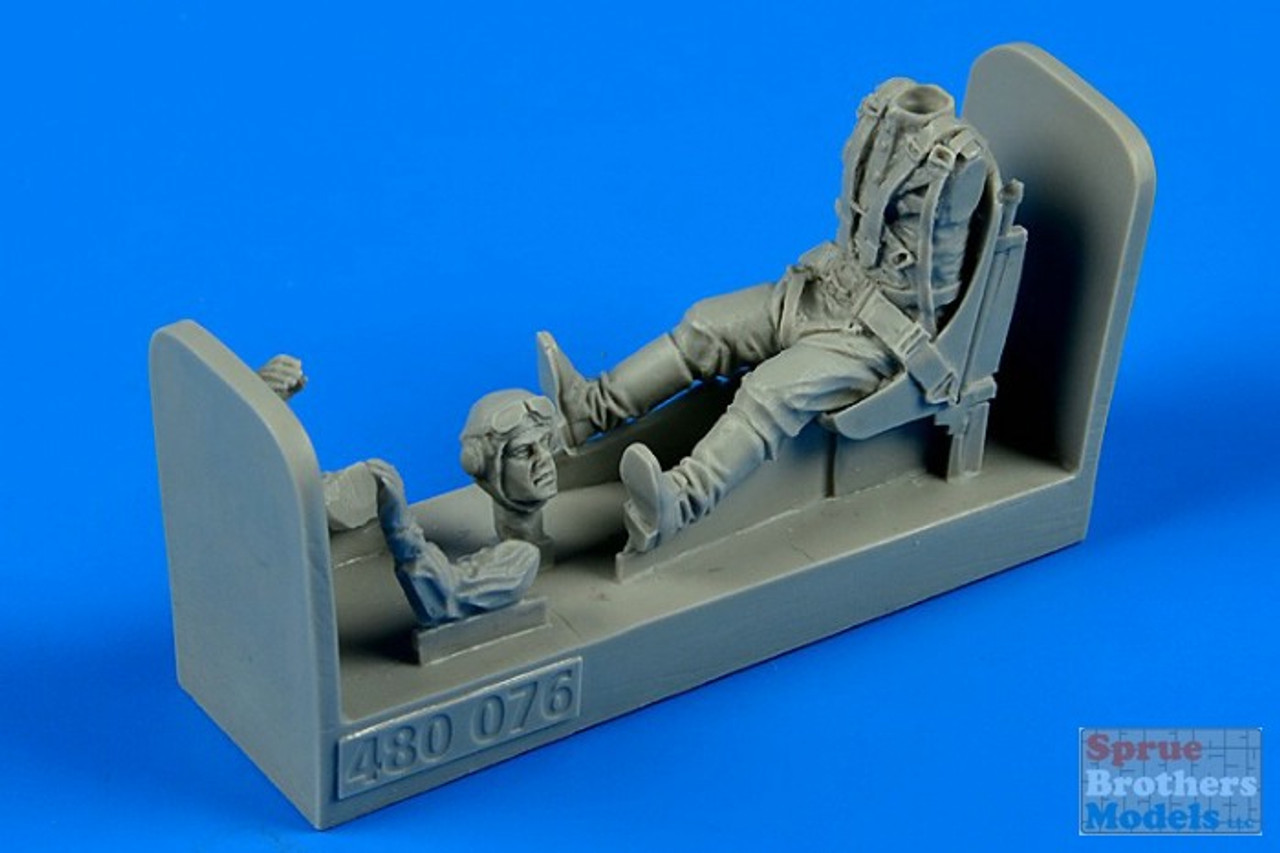 ARSAB480076 1:48 AeroBonus Russian WW2 Pilot with Seat for P-39 Airacobra