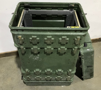 Military XL Pelican Hardigg Hard Case Transport Storage Case 22x16x32-1/4 Green used