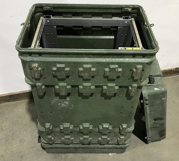 Military XL Pelican Hardigg Hard Case Transport Storage Case 22x16x32-1/4 Green used