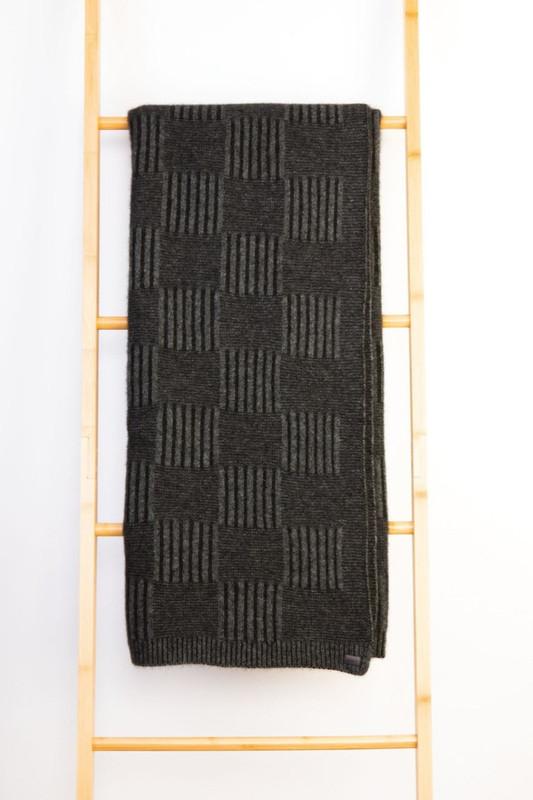 Black/Grey Basket Weave Throw