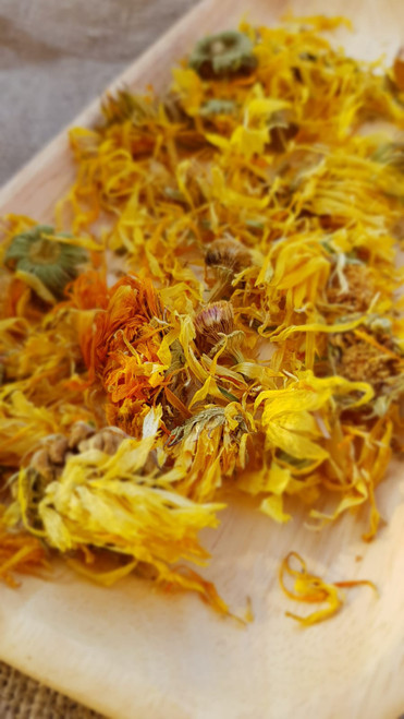 Calendula Organic tea 100g  Used as an ingredient in teas for the stomach and intestines. In skin care such as decoction or tincture in different products for all skin types and many skin problems.  Exp: Apr 2023