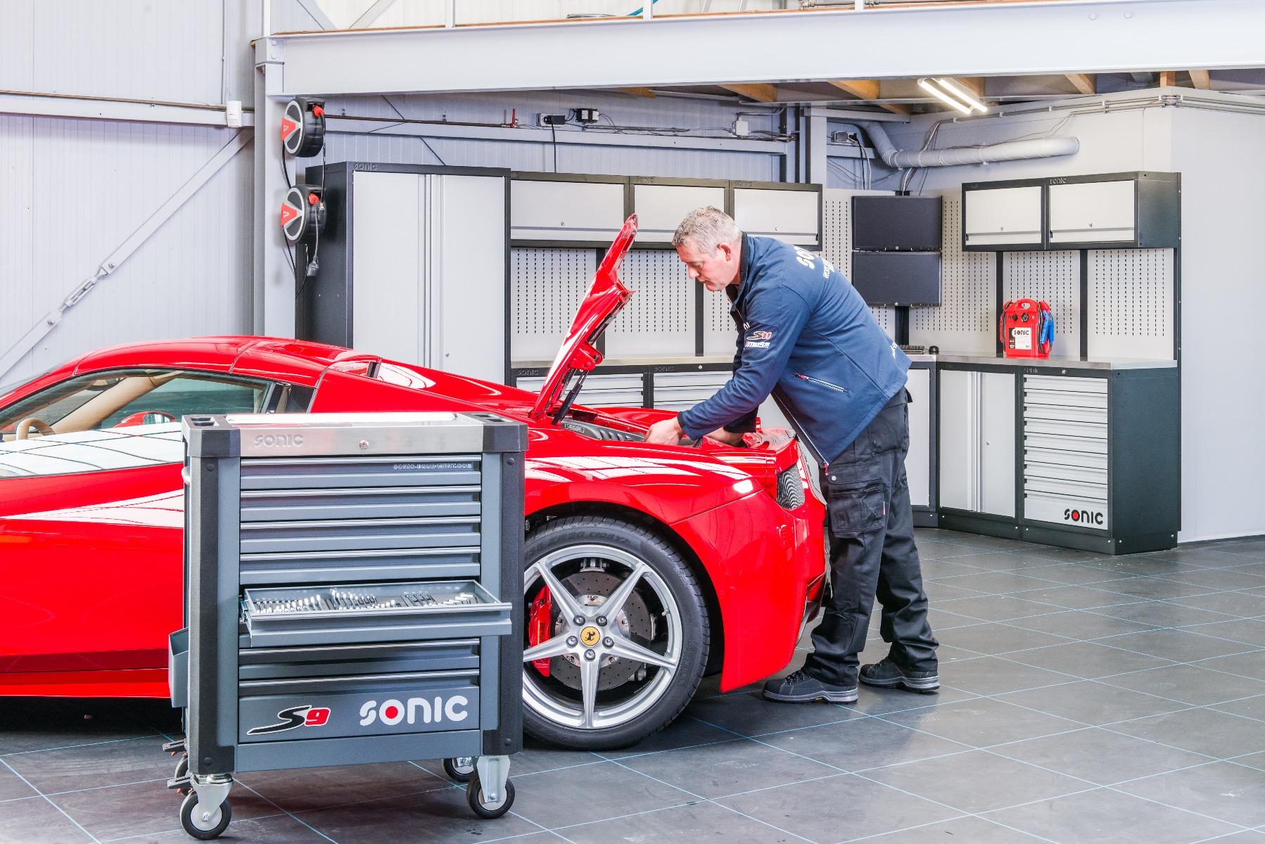 S9 Toolbox and Ferrari Technician