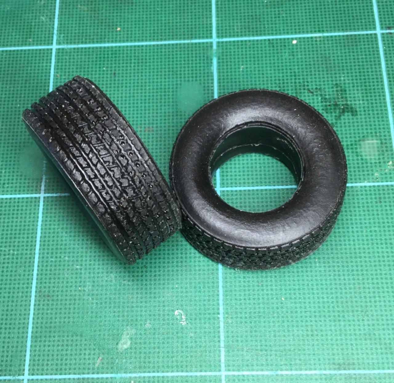 Large Wide Hot Rod, Street, 4x4 or Truck Tires, 1/25