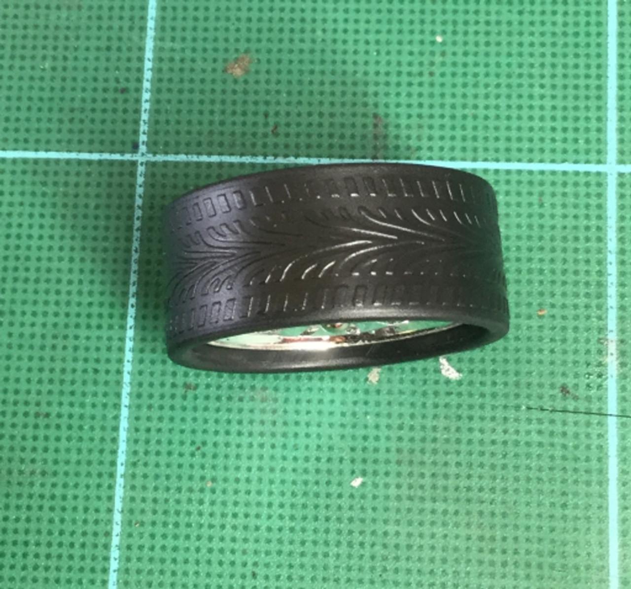 Large Chrome Rotating Wheels & Lo Profile Tires, 1/25, 1/16