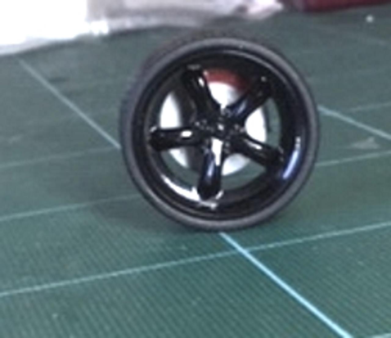 Large Black Round -5-Spoke Wheels & Lo Profile Tires, 1/25, 1/16