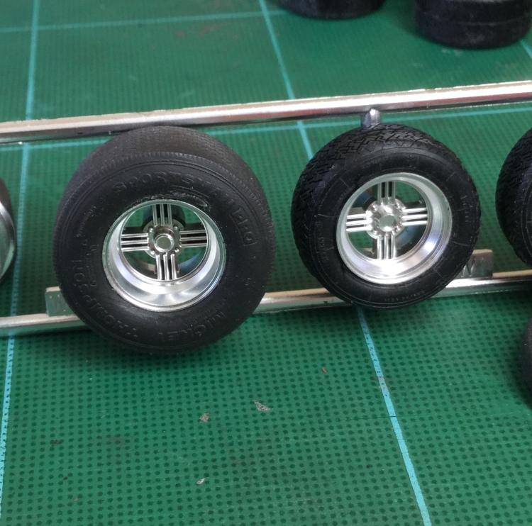 fa-mt-rear-tire-1.jpg