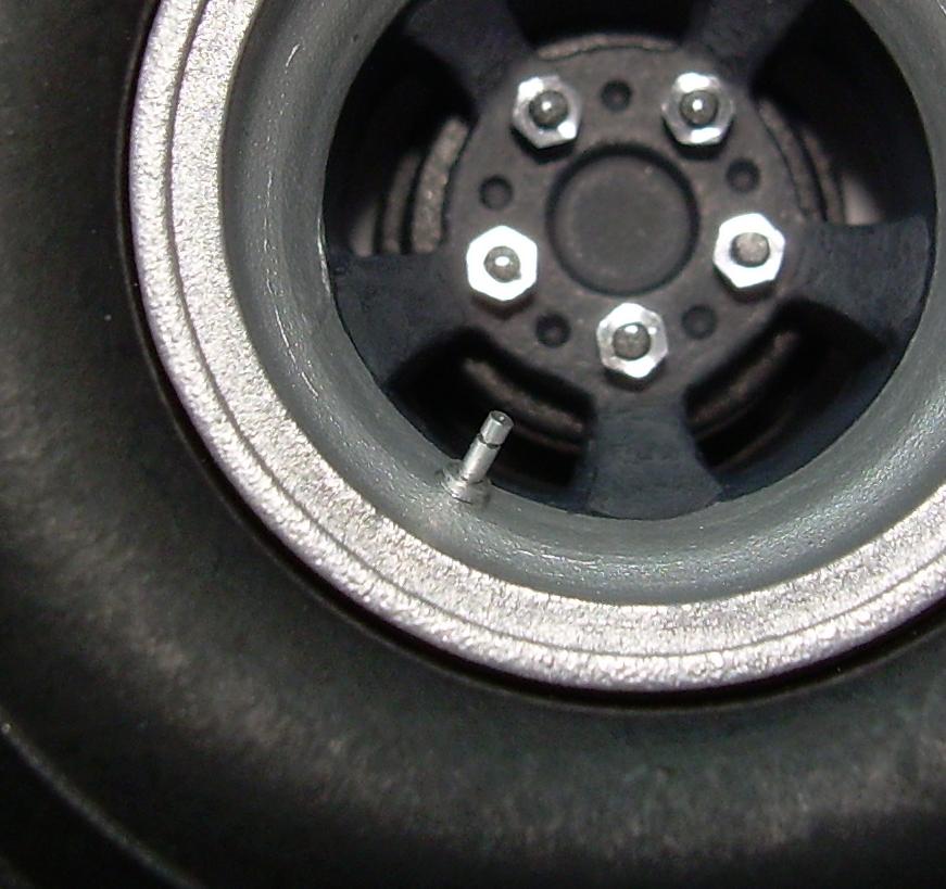 valve-stem-pic-zoomed-2.jpg
