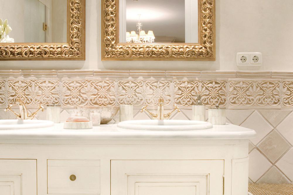 Handmade tiles bathroom Madras