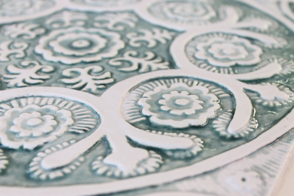 "Ceramic Wall Art circle aqua Suzani #1 [30cm/11.8""]"