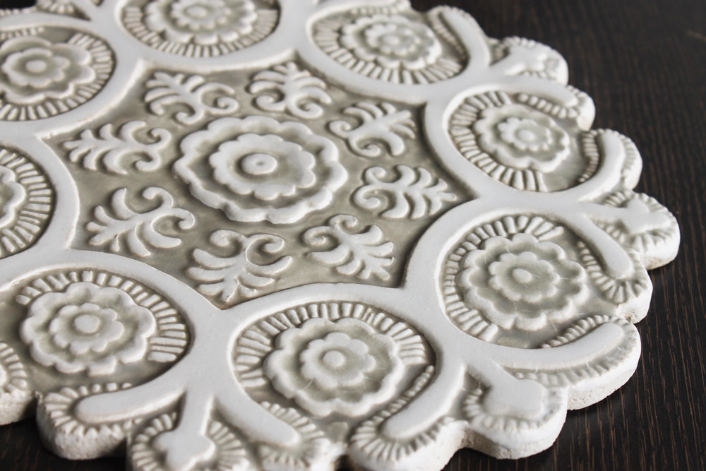 Suzani ceramic wall art #1 - Cutout Beige&White - Zoom