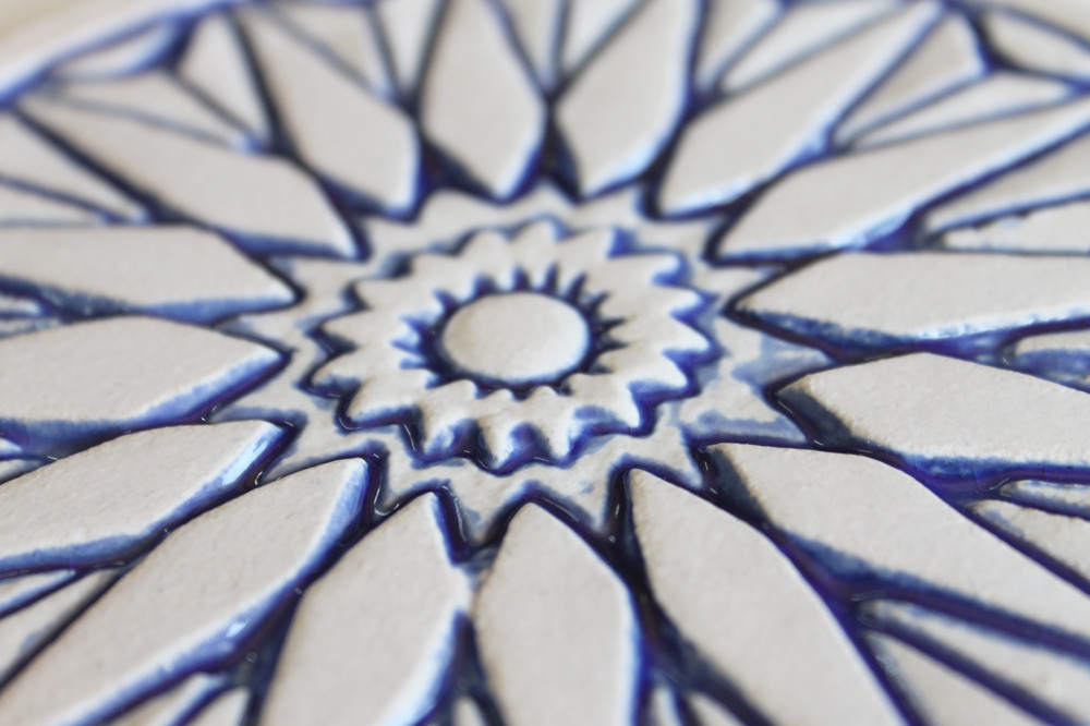 Ceramic wall art zoom blue & white