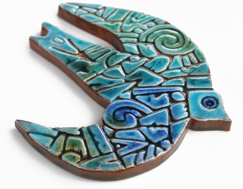These ceramic birds make ideal outdoor wall art. Create your unique wall art installation with our ceramic bird wall art