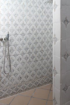 Handmade tiles bathroom Paris