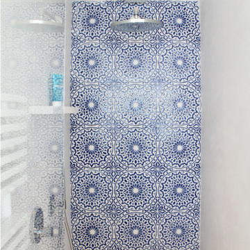 Handmade tiles bathroom Blue & white Moroccan