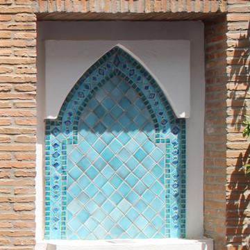 Ceramic fountain made with Handmade tiles.  Each of our ceramic fountains are made with Spanish tiles and custom designed.