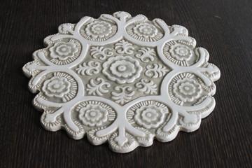 Suzani ceramic wall art #1 - Cutout Beige&White - Angle