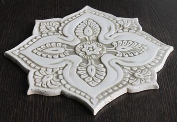 Ceramic wall art - Mandala#5 - Circular Designs  - Beige-Angle