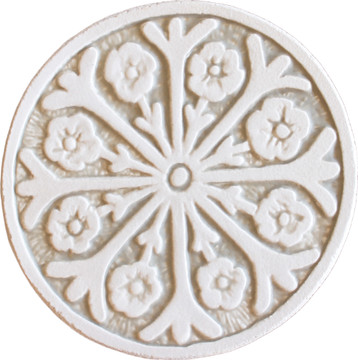 Wall decoration Suzani#2 Circular 15cm -White&Beige