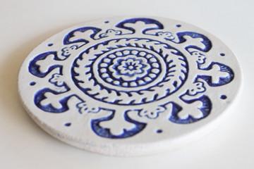Suzani ceramic wall art #1 15cm - Cutout Blue&White - Angle