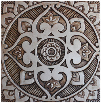 These decorative tiles make wonderful wall hangings and outdoor wall art.  Our silver handmade tiles are carved in relief and handmade in Spain.