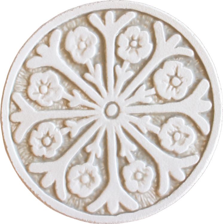 Wall decoration Suzani#2 Circular 15cm -White&Beige