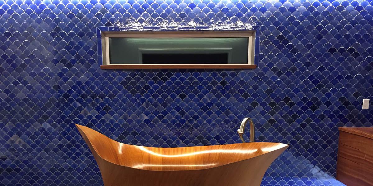 Fishscale tiles bathroom image