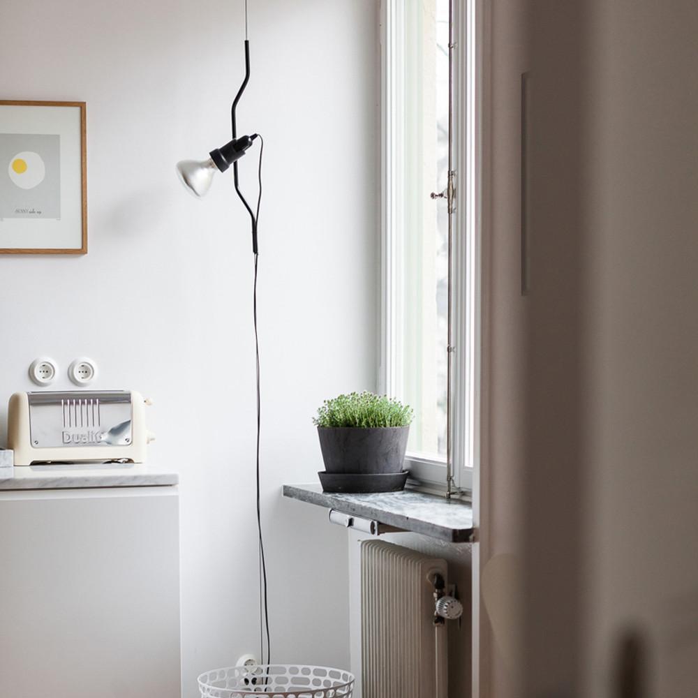 Parentesi Ceiling-to-Floor Lamp