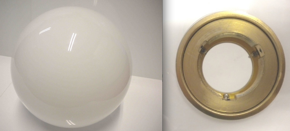 IC Lights 2 Diffuser In White / Brass