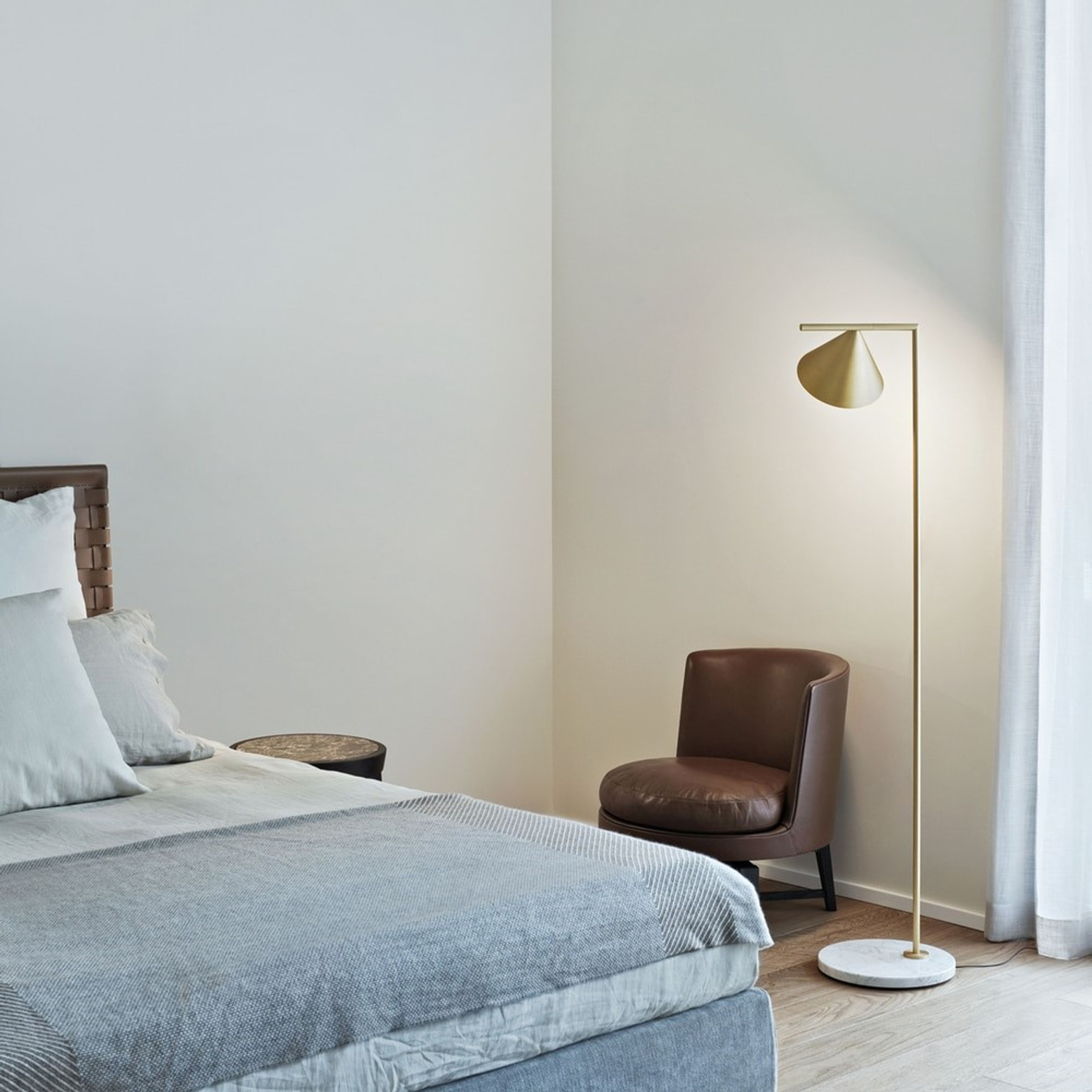 Your Complete Guide to Buying a Modern Floor Lamp