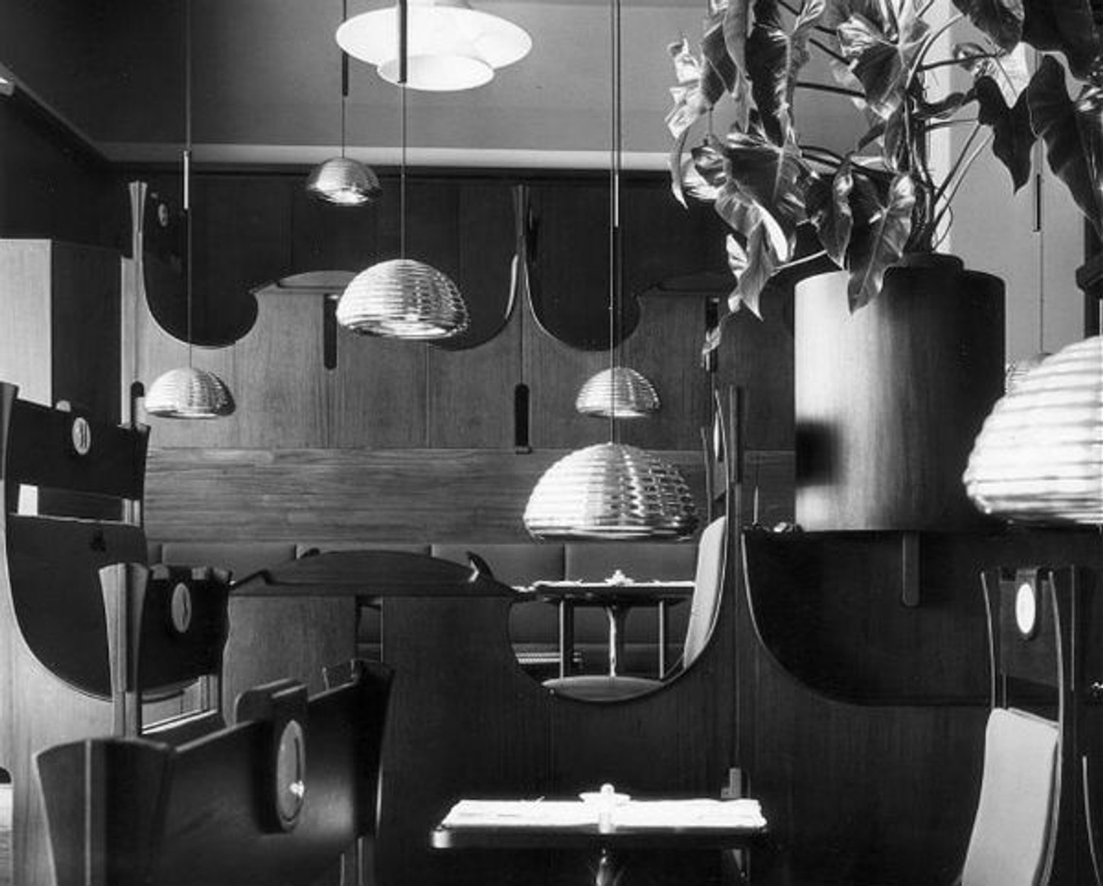 Mid-Century Masters of Contemporary Lighting Designer