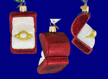 engagement ring Old World Christmas Glass Ornament 32176 inset