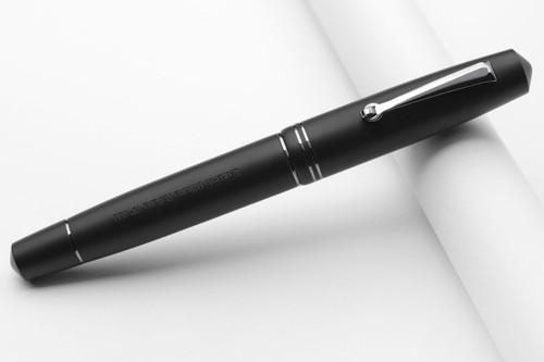 Leonardo Officina Italiana Momento Zero Back Matte Resin Fountain Pen