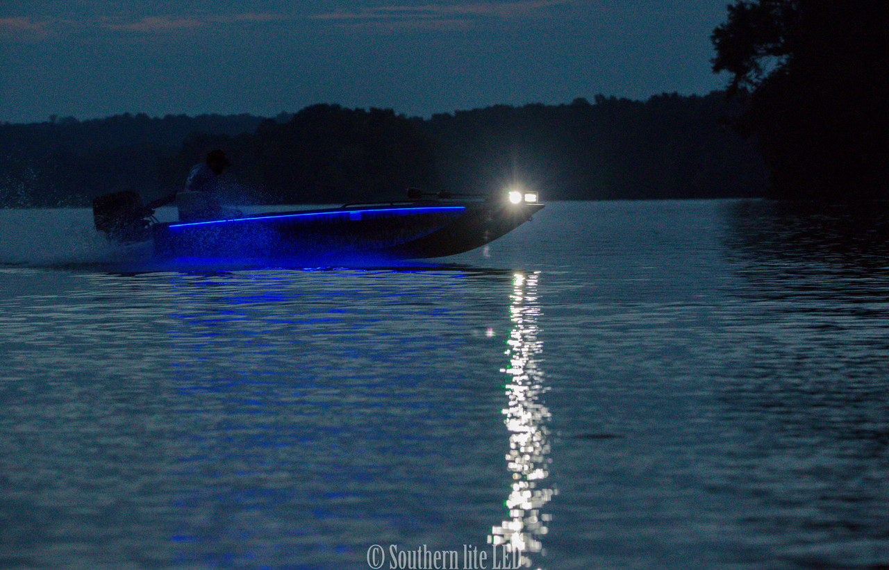 GEN 3 ULTIMATE LED DUCK BOAT LIGHT