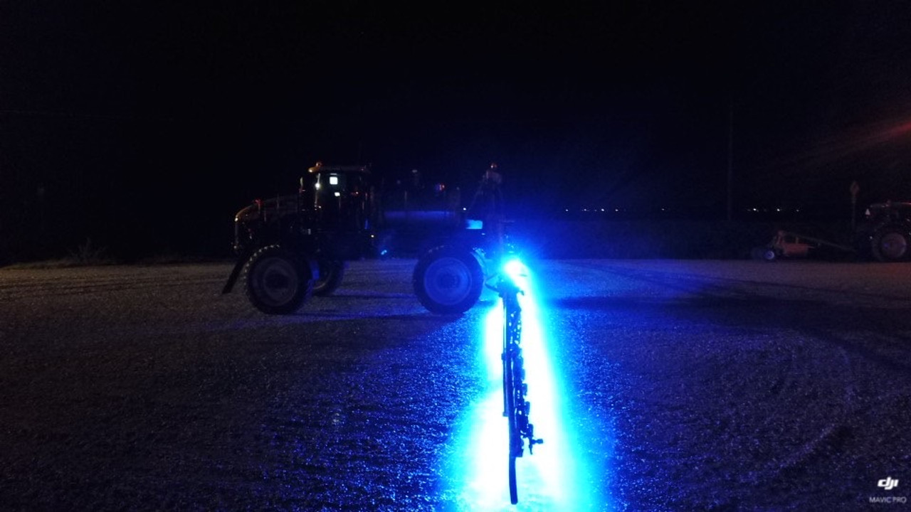 spray boom led light