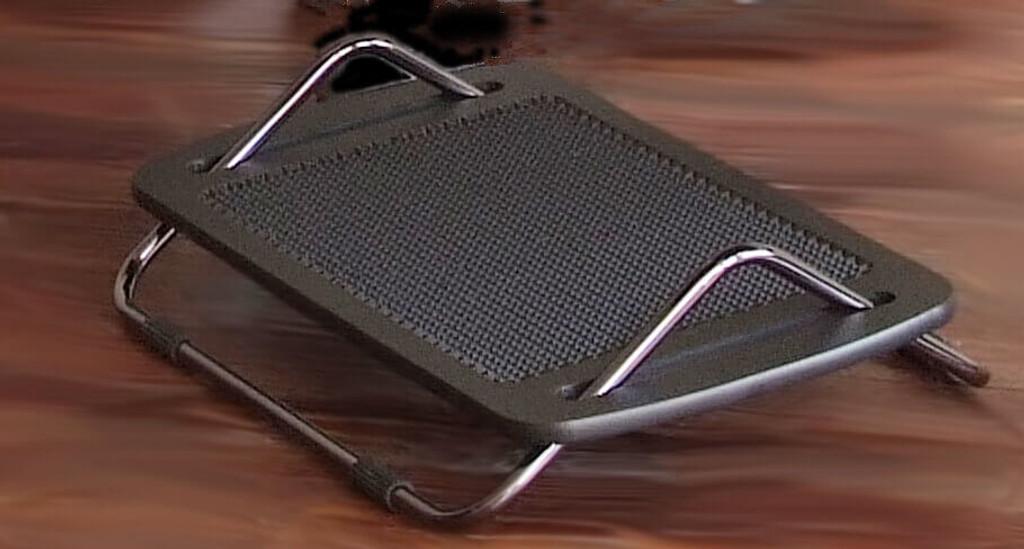FootForte Articulating Ergonomic Footrest