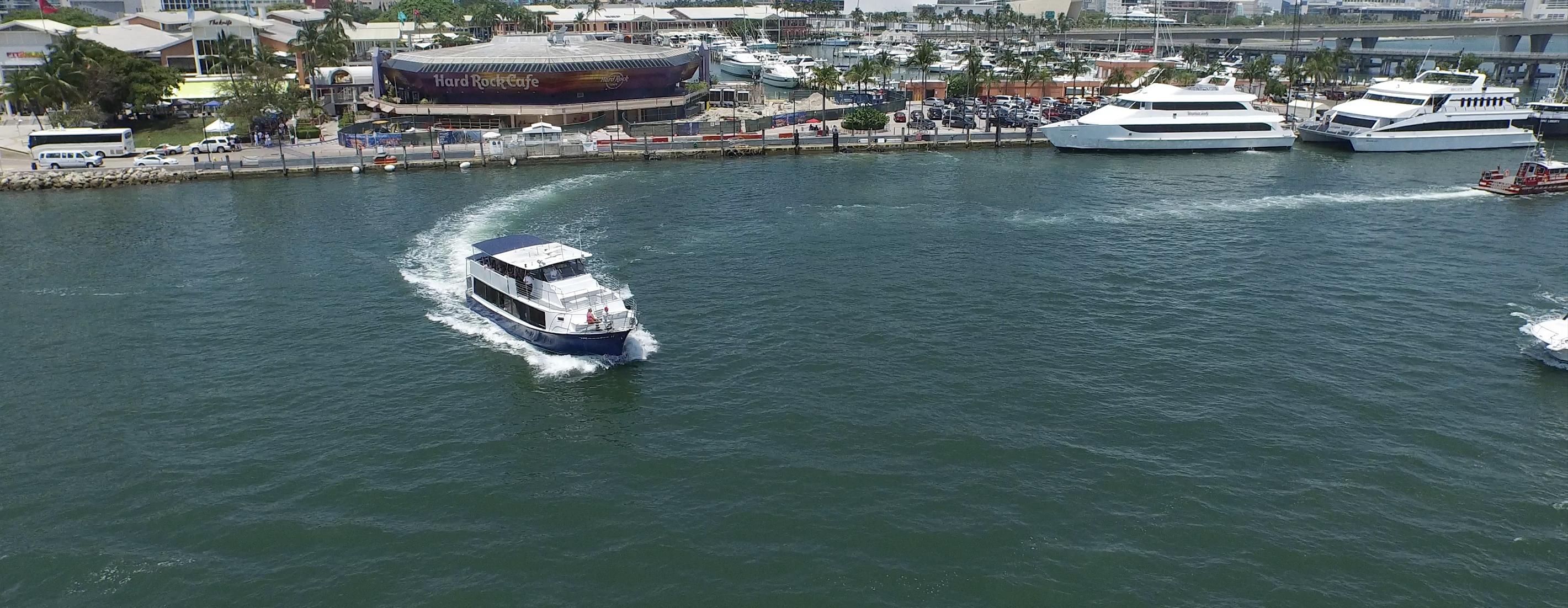 -miami-double-decker-bus-tour-bayside.jpg
