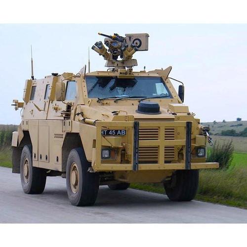 1/72 SAS Bushmaster Plastic Model Kit DR7701