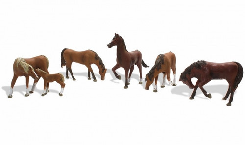 Chestnut Horses HO Scale A1842