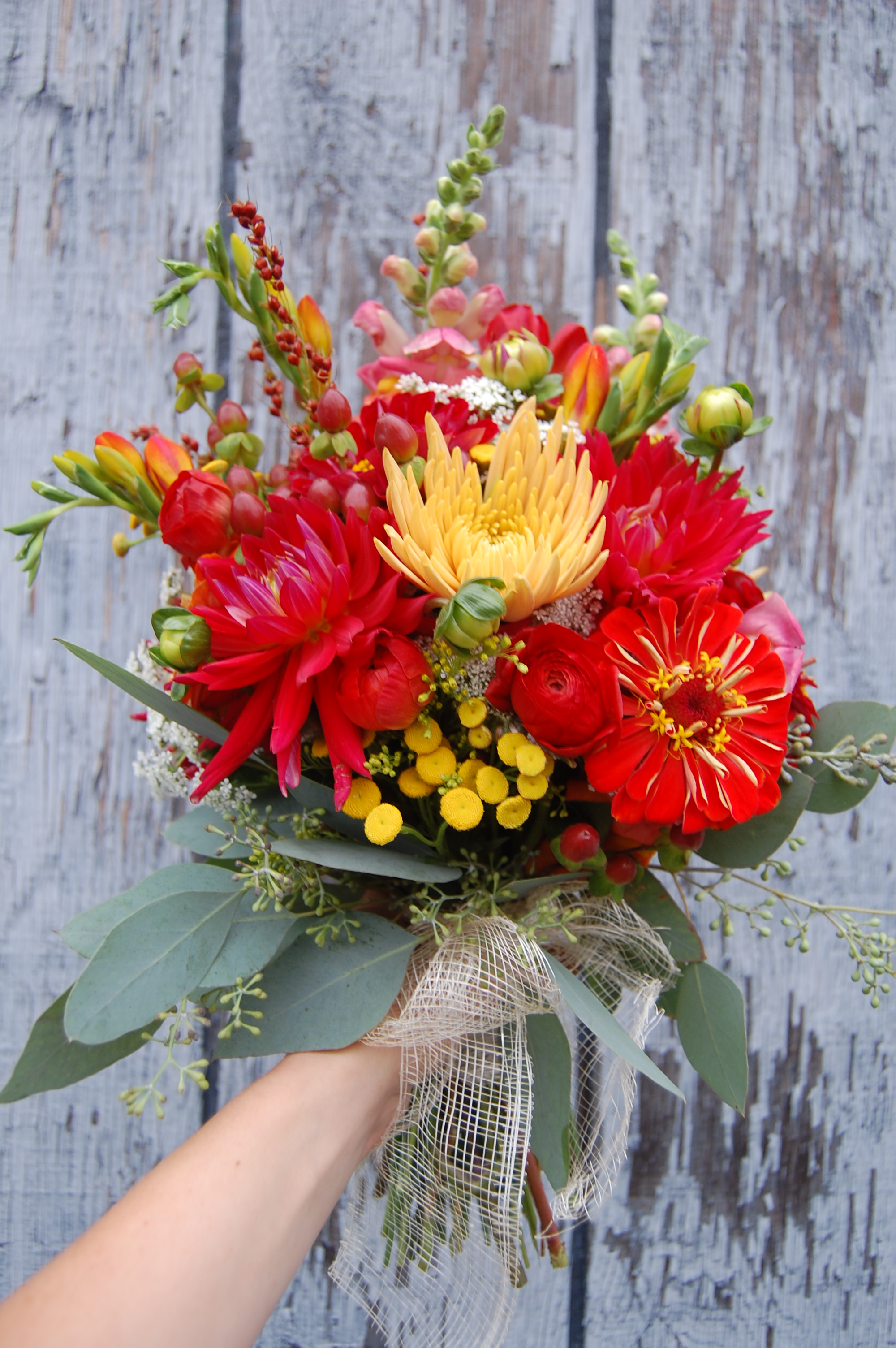 dahlias, zinnias, snapdragons, button yarrow