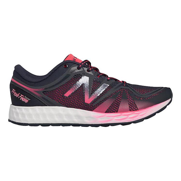 premium selection ee03e 219a3 Women s New Balance Fresh Foam 822v2 Trainer color-Black Pink