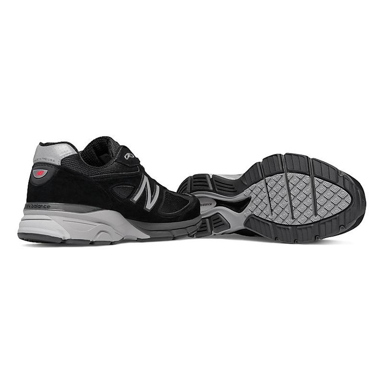premium selection 5c7a1 806e1 Men's New Balance 990v4