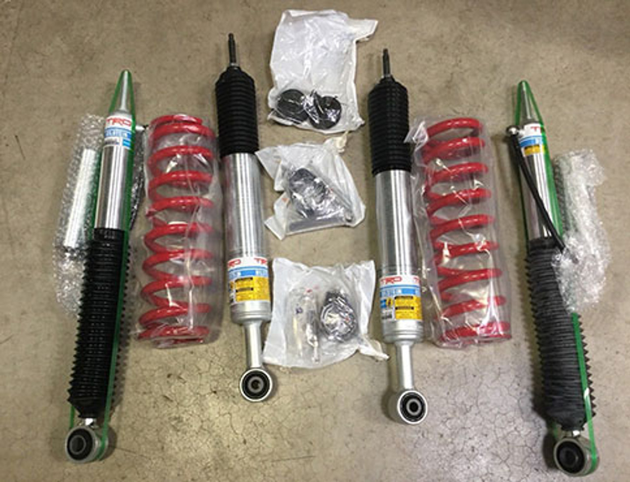 FJ Cruiser TRD / Bilstein Suspension Kit (PTR13-35140)