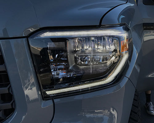 Toyota Tundra OEM LED Headlights set (L&R)