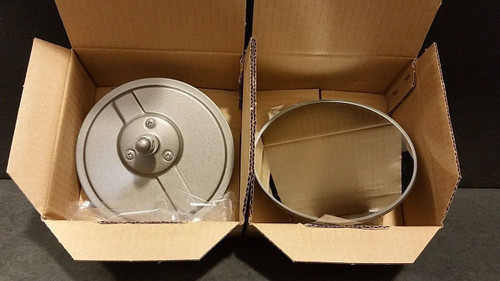 UP FOR SALE IS AN ORIGINAL TOYOTA PAIR OF BRAND NEW  ROUND SIDE VIEW MIRRORS FOR YOUR FJ40 TOYOTA LAND CRUISER.  THIS WILL FIT YEARS 1969-1975.  THIS IS FOR THE LEFT AND RIGHT SIDE.  THIS IS MADE BY TOYOTA IN JAPAN.