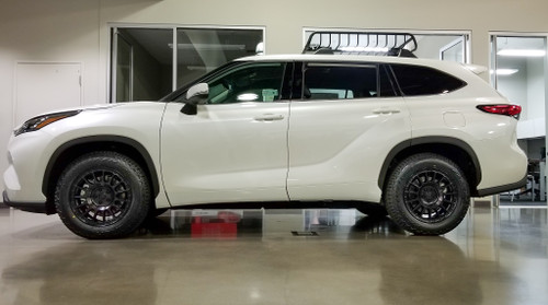 Black Rhino Sandstorm as shown on a 2020 Highlander