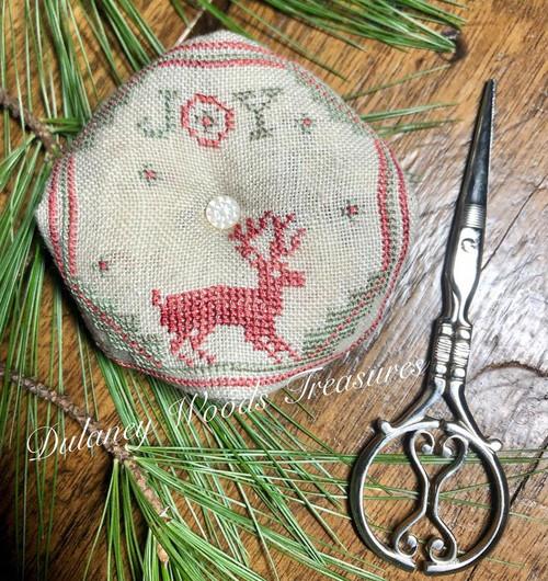 Christmas Noel Biscornu / Dulaney Woods Treasure